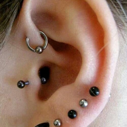 single-forward-helix-piercing-for-women.jpg